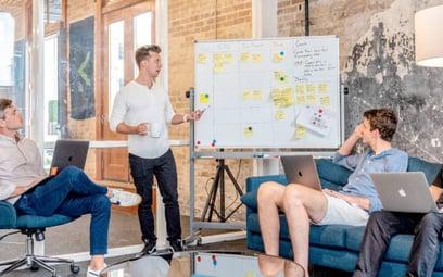 Pokoje rozmów na platformie Veventy  to tylko jedna  z opcji komunikacji  i organizowania eventów on