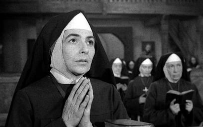 """Zofia Rysiówna zagrała przełożoną klasztoru w filmie """"Drewniany różaniec"""" z roku 1964. Noszenie habi"""