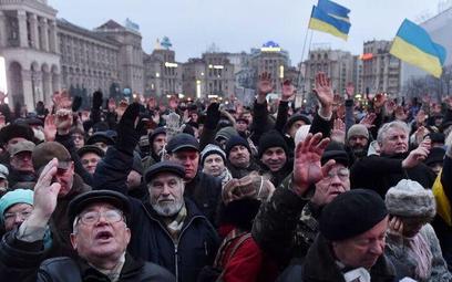 Ukraina. Posłowie uciekają na urlop