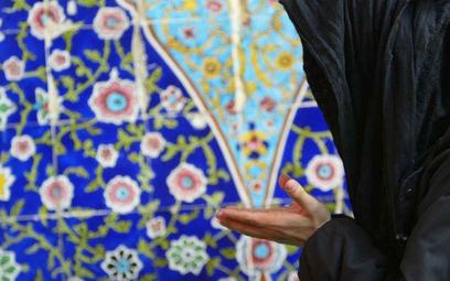 Muzułmanka z Izby Lordów: zróbcie coś wreszcie z poligamią