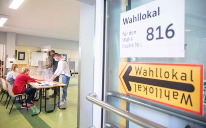 Lokal wyborczy w Berlinie podczas wyborów do Bundestagu