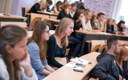 Rewolucja na uczelniach: mniej studentów - wyższe dotacje