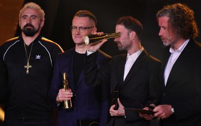 Operator filmowy i reżyser Łukasz Gutt, reżyser Łukasz Ronduda. Z lewej artysta Daniel Rycharski, na