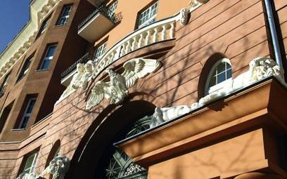 Budynek przy ulicy Filtrowej 68. 1 mln 250 tys. zł kosztuje trzypokojowe mieszkanie o powierzchni 95