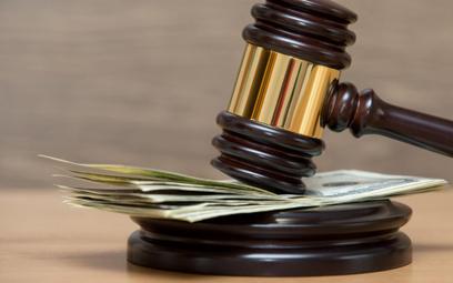 Kiedy adwokat płaci zaprzegraną sprawę