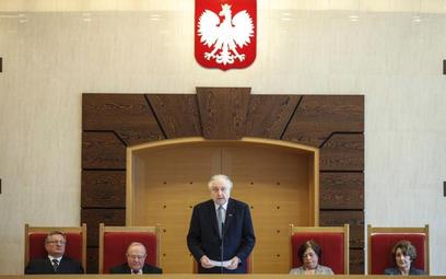 Decyzję o zawieszeniu urzędowania głowy państwa podejmowałby Trybunał Konstytucyjny na niejawnym pos