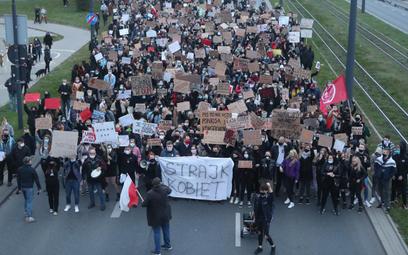 Wtorkowe protesty (na zdjęciu Łódź) miały być przygrywką do ogólnopolskiego protestu we środę