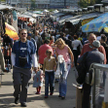 Mimo likwidacji Jarmarku Europa na Stadionie Dziesięciolecia oraz walki z handlarzami podróbek probl