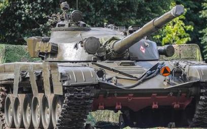 Armia będzie sukcesywnie wycofywać z linii pamiętające Układ warszawski czołgi T-72. Pójdą pod młote