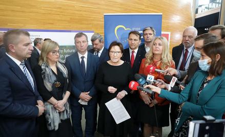 Maciej Strzembosz: Europosłowie opozycji powinni wstrzymać się od głosu w sprawie rezolucji PE o kar
