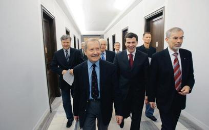 Lewica i Demokraci, czyli jedna z prób mariażu politycznego Unii Pracy. Od lewej Janusz Onyszkiewicz