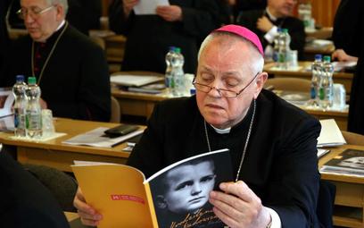 Papież przyjął rezygnację biskupa Kiernikowskiego