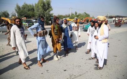 Talibowie mówią o amnestii, zapraszają kobiety do rządu