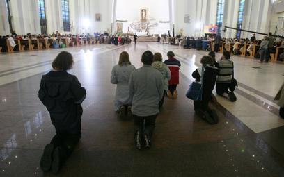 Polacy odchodzą od Kościoła. Najszybszy spadek na świecie
