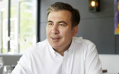 Saakaszwili znów zapowiada powrót do Gruzji, ale tym razem pokazał bilet