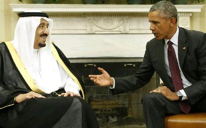Król Arabii Saudyjskiej Salman z Barackiem Obamą w Białym Domu we wrześniu 2015 roku