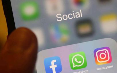Ikony mediów społecznościowych na ekranie telefonu
