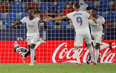 La Liga: Real zremisował, rywal kończył bez bramkarza