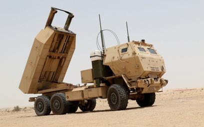 Wyrzutnia polowego systemu rakietowego M142 HIMARS. Fot./US Army/Staff Sgt. Matthew Keeler.