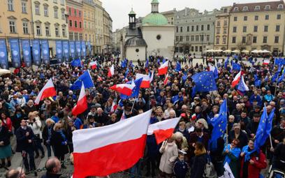 Raport RPO: wolność zgromadzeń w Polsce jest naruszana