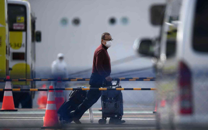 "Japonia: Pasażerowie ""Diamond Princess"" schodzą na ląd"