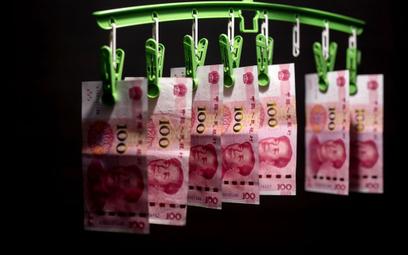 Chiny dosłownie piorą pieniądze. Wszystko przez koronawirusa