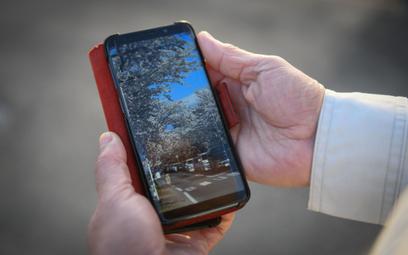 Najlepszy rok smartfonów od 6 lat. Problem z komputerami