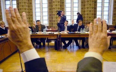 Uchwały rady gminy nie uchyli głosowanie i twierdzenia bez dowodów