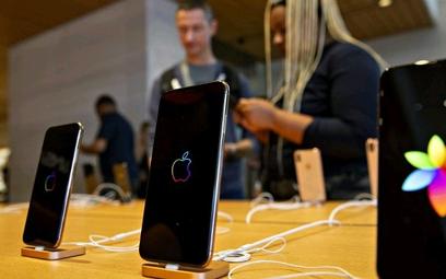 Apple w swoim sklepie teraz skupia się na promowaniu tańszych modeli jak XR, a nie najdroższy X