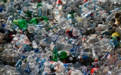 Zmiana klimatu zagraża nam na równi z plastikowymi odpadami