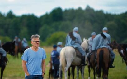 """Maciej Pawlicki jest producentem dobrze zapowiadających się """"Legionów"""" (zdjęcie z planu). Ale na kon"""