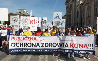 Protest pracowników ochrony zdrowia w Warszawie