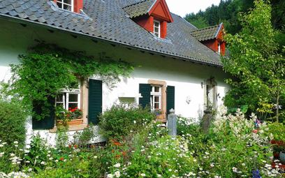 Polacy chcą wypoczywać w domkach na uboczu