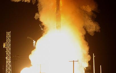 Start nieuzbrojonego amerykańskiego międzykontynentalnego rakietowego pocisku balistycznego pocisku