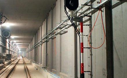 Tunel na lotnisko za 250 mln zł. Nie wiadomo, czy ruszy przed Euro 2012
