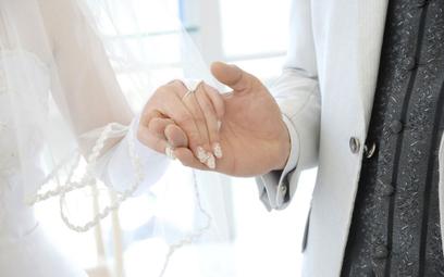 Coraz mniej ślubów w kościele