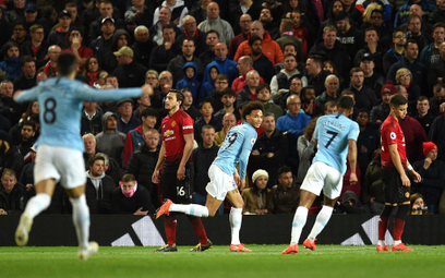 Derby Manchesteru dla City. Dwa gole Lewandowskiego