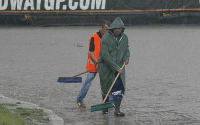 Żużel. Deszcz przerwał Grand Prix Czech. Powtórka w niedzielę