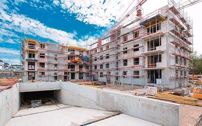 Koszty budowy i ziemi nie zaczną spadać, nie ma więc widoków na niższe ceny mieszkań