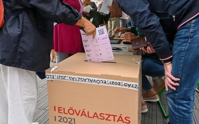 Prawybory na Węgrzech: namioty opozycji