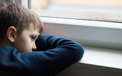 Polscy emigranci tracą dzieci z powodu biedy i przemocy