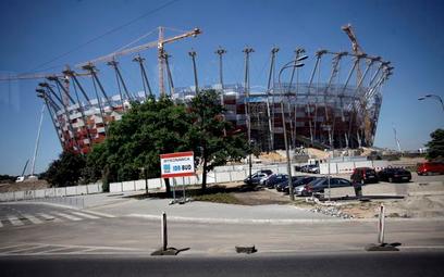 Minister sportu: Stadion Narodowy w terminie. Konsorcjum: to niemożliwe