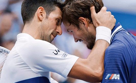 Novak Djoković i Daniił Miedwiediew po meczu