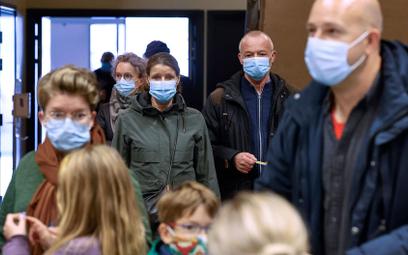 Pandemia koronawirusa. Na świecie już ponad 50 mln wykrytych zakażeń SARS-CoV-2