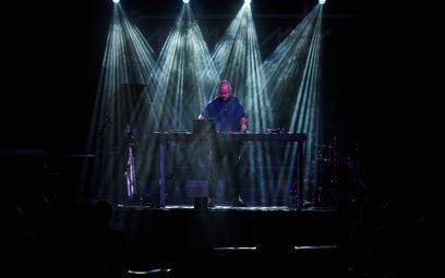 SARIANI - cykl trzech performensów muzyczno – wizualnych