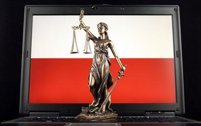 Przeciwnicy zdalnych procesów karnych: sąd musi obserwować zachowanie oskarżonego