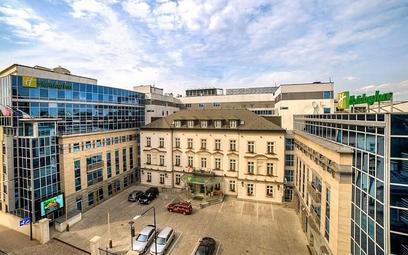 Holiday Inn w Krakowie – historia zatopiona w nowoczesności