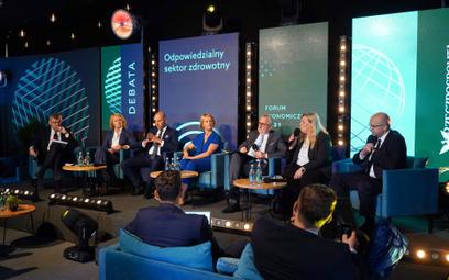 Uczestnicy debaty zastanawiali się, jak w Polsce wprowadzić zrównoważony system ochrony zdrowia .