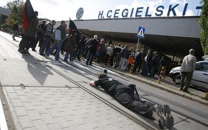 Protesty przed Zakładami Cegielskiego w proteście przeciw zwolnieniom, wrzesień 2009
