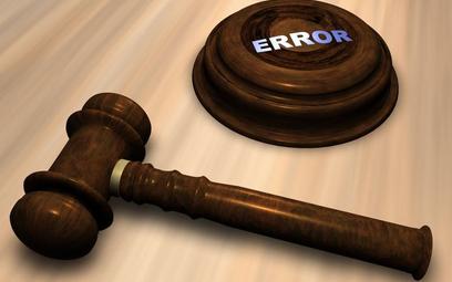 Pomyłki sądowe niszczą ludziom życie. Często winni są biegli